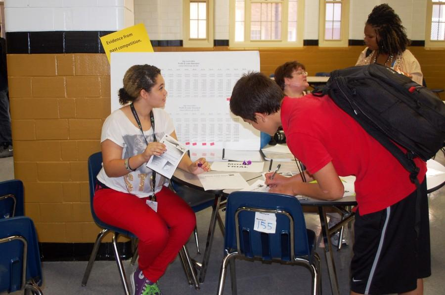 Students Browse Offerings at Club Fair
