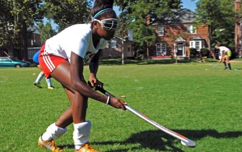 Seniors take lead in field hockey