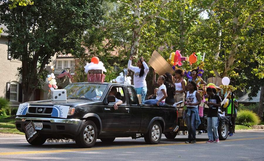 Homecoming parade: Candyland comes alive