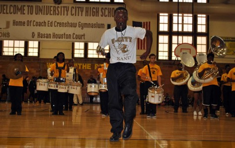 Pep rally fires students up for weekend