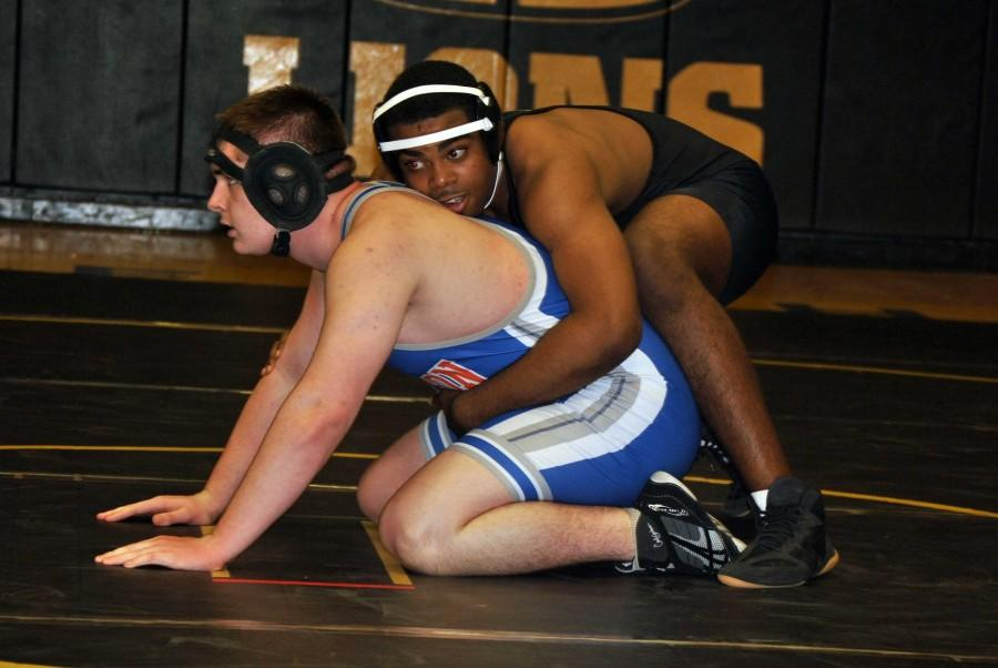 Aspiring college wrestler works to meet goals