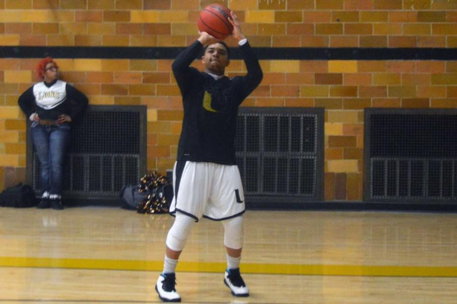 Boys basketball season fluctuates