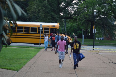 New freshmen arrive at U. City for freshmen orientation Aug. 10. <b>Photos by Christine Politte</b>
