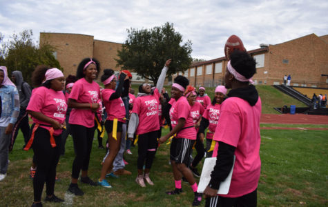Seniors dominate powder puff