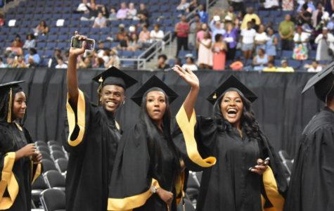 Seniors celebrate 2018 graduation